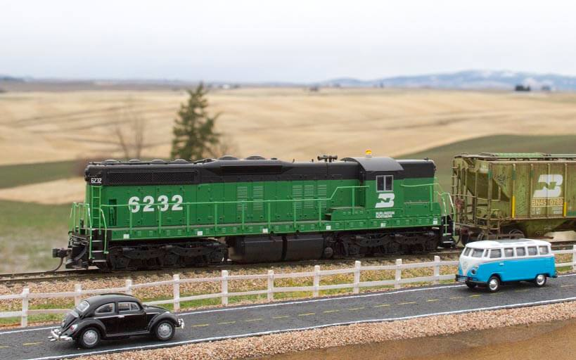 Trackside Model Railroading, build a split rail fence for your railroad