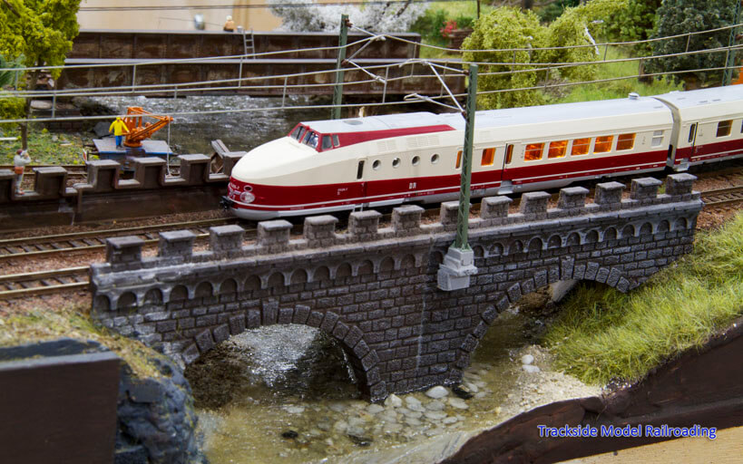 Trackside Model Railroading Enrico Scharlock's TT Scale Wine Country